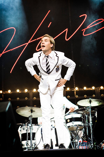 1.TheHives